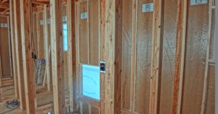 地震にも強いRパネルは長期優良住宅の性能基準を大きく上回るR+house・Bliss+Rの家には標準装備されています。