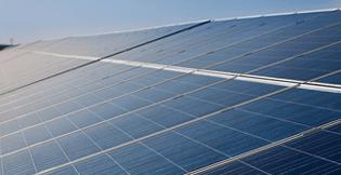 太陽光発電は、10kw以上の全電力買い取り型を提供しております。生活コストの削減はブリスライフの家づくりのテーマの一つです。