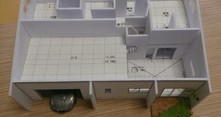 プラン図面に忠実に1/100で使られた住宅模型ですから、パースなどよりも家のイメージもつかめますし、間取りも確認できます。