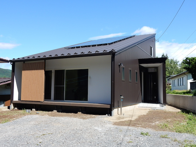 富士見町K様邸 大屋根でスタイリッシュなデザインTOP