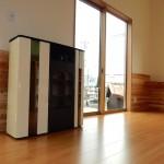 諏訪市K.Y様邸 家中の暖房を賄う壁付け形のペレットストーブ