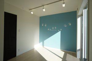子供さんが小さいうちは家族のフォトスタジオとして活用する子供部屋